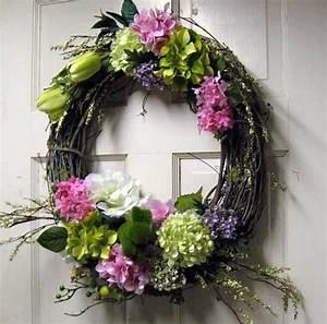 Easter Wreaths TIDBITS&TWINE