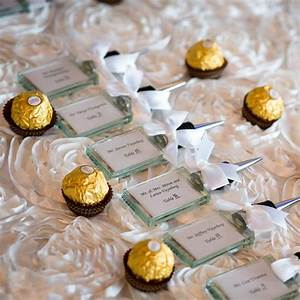 Ferrero rocher wedding favors with name cards wedding for Wedding party gifts ideas
