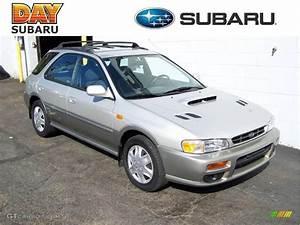 Sport 2000 Gray : 2000 silverthorn metallic subaru impreza outback sport wagon 20994692 car ~ Gottalentnigeria.com Avis de Voitures