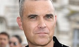 Robbie Williams shares ADORABLE backstage moment with his ...
