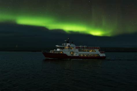 northern lights cruise reykjav 237 k 2 hour northern lights cruise