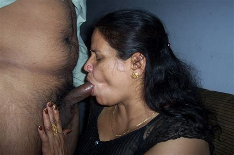 Indian Sexy Post Big Aunty Blowjob