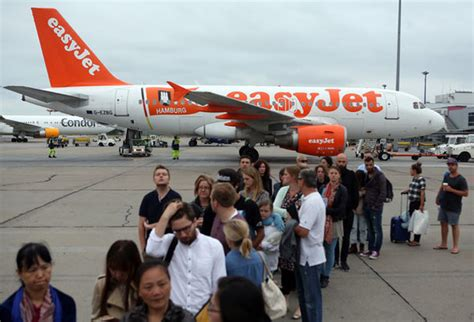 Flights Resume To Sharm El Sheikh by Monarch Easyjet And Airways Cancel All Flights To