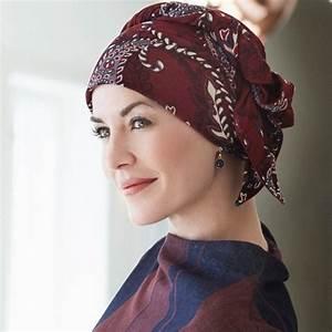 c773e99ff0a bandana pour cheveux simple le foulard imprim ou texture est hype ce  printemps with bandana