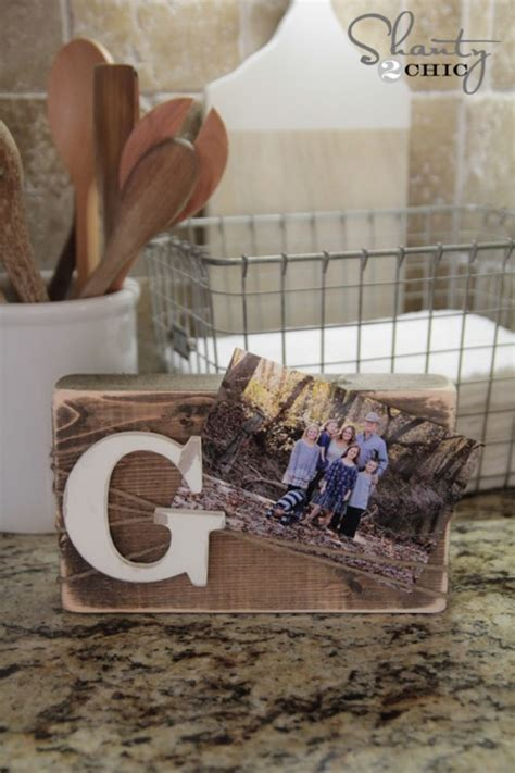 diy wood block frame shanty  chic