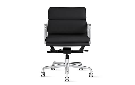 Dwr Eames Soft Pad Management Chair by Eames Soft Pad Management Chair With Pneumatic Lift