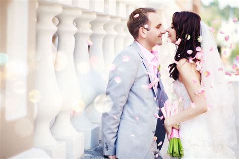 Christian Wedding Couple Images With Flowers For Greetings