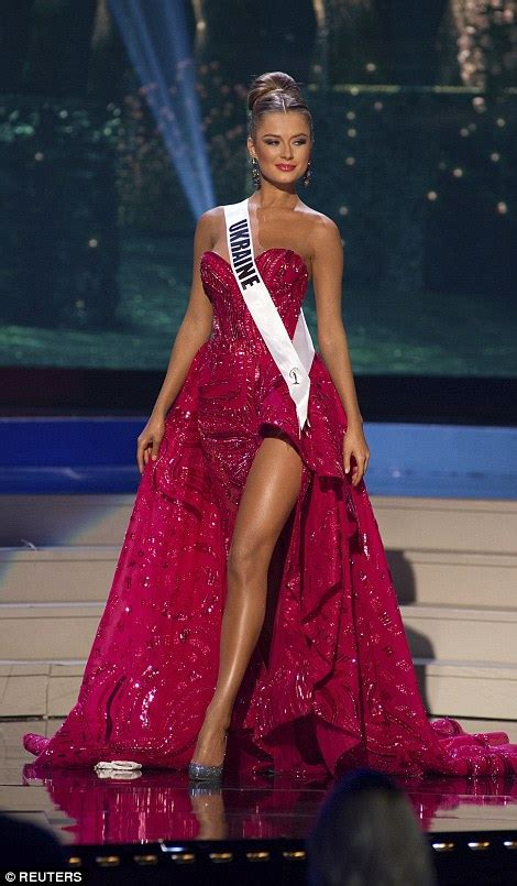 miss universe evening ukraine gown diana harkusha dresses jamaica competition pageant gowns dress beauty contestants florida stage desiree mesmerising finalists