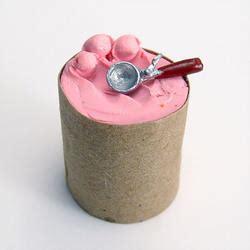 scale minature bucket  cherry chip ice cream