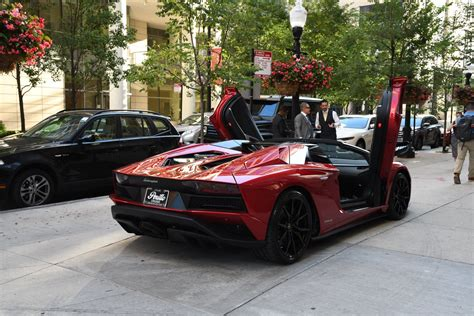 lamborghini aventador  roadster lp
