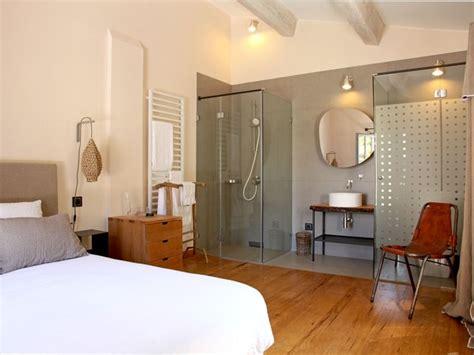 chambre salle de bain ouverte une salle de bain avec à l 39 italienne tendance