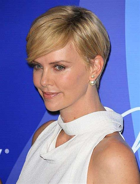 10 Charlize Theron Pixie Cuts   Short Hairstyles