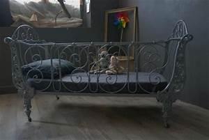 Lit Bebe Ancien : ancien lit en fer forg vendu atelier vintage ~ Teatrodelosmanantiales.com Idées de Décoration