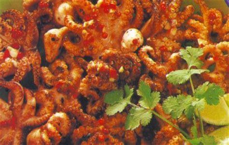 cuisiner les poulpes poulpes grillés recettes de taïlande