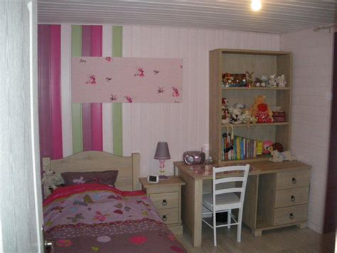 deco fille chambre chambre dinosaure vert baudet design de maison