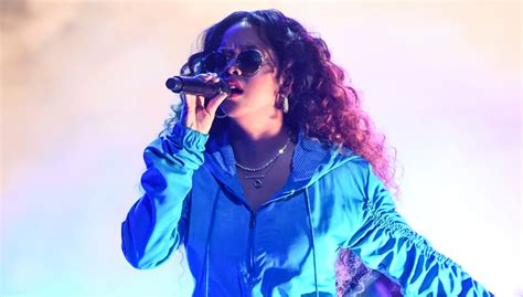 H.e.r.'s Performance At Bet Awards