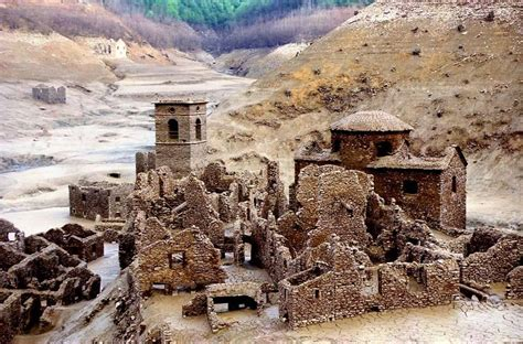 ecco  luoghi abbandonati piu belli ditalia