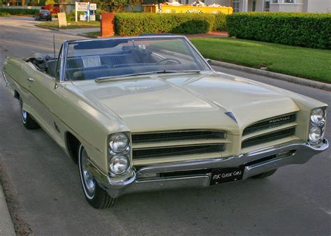 american classic cars  pontiac catalina  door
