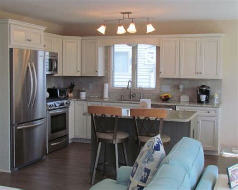 island in the kitchen pictures best 25 raised ranch kitchen ideas on raised 7597