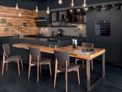 cuisine avec ilot central type loft ambiance black mobalpa