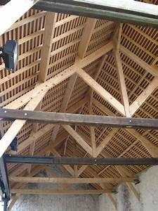 filecharpente grange de la ferme briarde de boussy saint With type de toiture maison 15 poser des tuiles minerales en beton pour la toiture