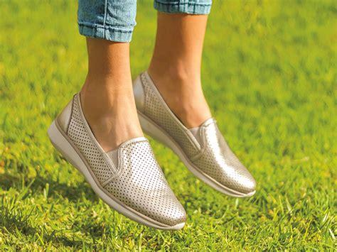 3 Ideas De Cómo Vestir Tus Zapatos Color Oro