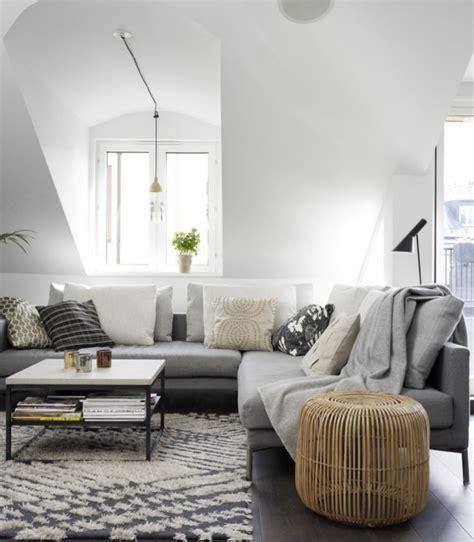 quel tapis avec canapé gris tapis gris salon qui rend l 39 atmosphère élégante et moderne