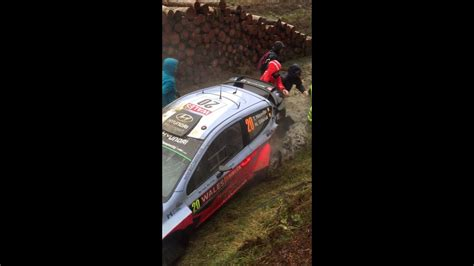Thierry Neuville Rallye Beinahe Crash by Thierry Neuville Crash In Dyfnant Wales Rally Gb 2015