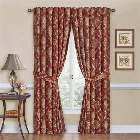 curtain give  space  relaxing  tranquil