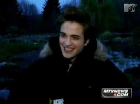 Robert Pattinson on Twilight vs. Harry Potter - YouTube