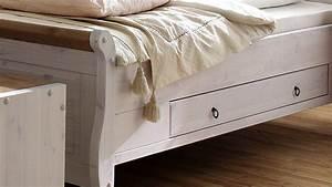 Doppelbett 180x200 Weiß : bett oslo doppelbett aus kiefer massiv wei antik 180x200 cm ~ Frokenaadalensverden.com Haus und Dekorationen