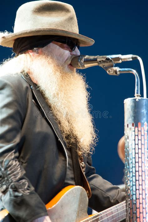 14 hours ago · joseph michael dusty hill was an american musician, singer, and songwriter. Dusty Hill editorial photography. Image of lincoln, valley ...