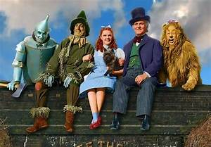 Pin By Mgo On S The Tin The Scarecrow Dorothy The Wizard Of Oz