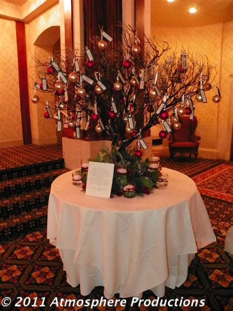 This Ornament Tree Makes For The Perfect Place Card