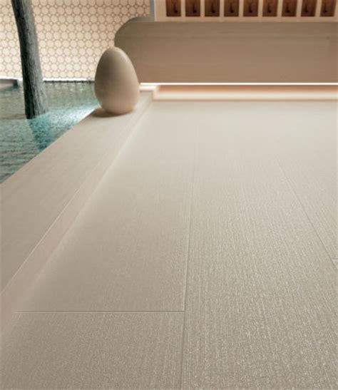 carrelage imitation parquet beige origine the ceramic wood by novoceram