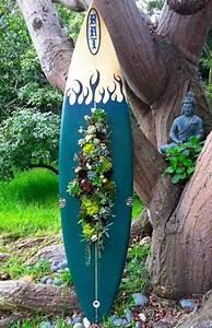 Sukkulenten Für Draußen : surfbrett deko aus sukkulenten vertikaler garten idee buddha garten design garten ideen ~ Watch28wear.com Haus und Dekorationen