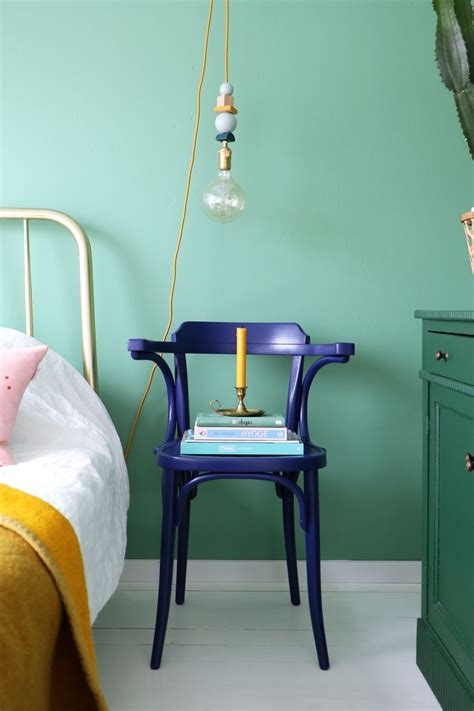 tendance vert d eau chambre enfant via entermyattic bluechair blue chair in 2019