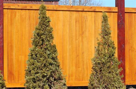 noise barriers  kind  fence blocks road sounds