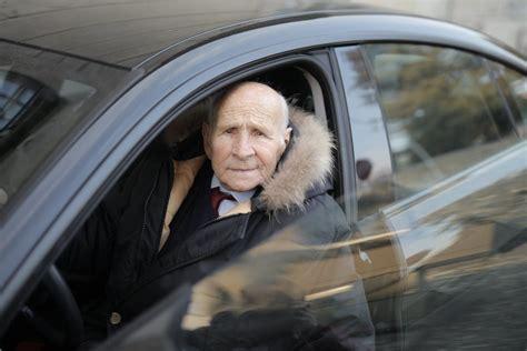 Kā vecums ietekmē spēju vadīt automašīnu? - 1188 padomi