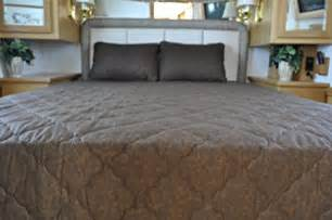 solid color coffee brown short queen rv bedspread 3 pc set cer rv travel trailer bed basic rv