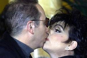 The Most Awkward Kisses Of All Time
