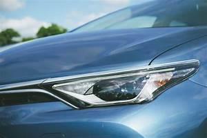 Avis Toyota Auris Hybride : toyota auris 2015 notre essai nos photos et les tarifs ~ Gottalentnigeria.com Avis de Voitures