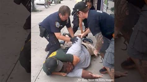 foto de No Indictment For NYPD Officer In Eric Garner Choke Hold