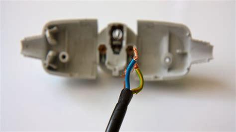 reparer prise electrique murale le branchement 233 lectrique d une prise brico fr