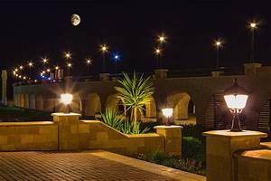 Tips For Commercial Landscape Lighting