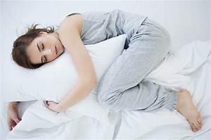 Coussin Pour Dormir : quelle est la meilleure position pour dormir coussin cervical ~ Melissatoandfro.com Idées de Décoration