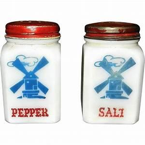 Milk And Pepper : vintage dutch windmill milk glass salt and pepper shakers from mygrandmotherhadone on ruby lane ~ A.2002-acura-tl-radio.info Haus und Dekorationen
