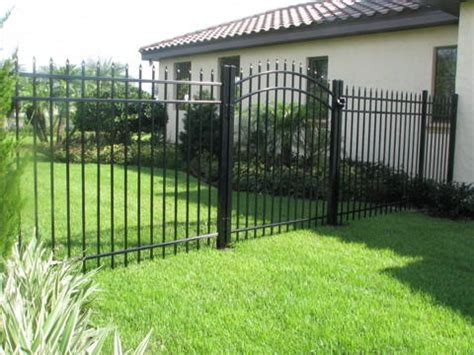 fence types and cost 2017 fencing prices fence cost estimators prices per foot