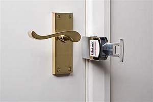 comment bloquer une porte avec un balai rayon braquage With comment caler une porte
