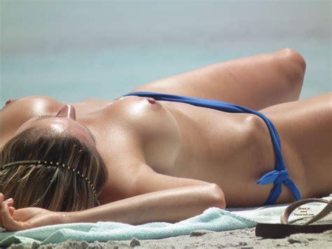 Sexy Tits Voyeured On Beach November Voyeur Web Hall Of Fame